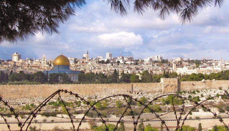 Israele, banche francesi sotto accusa