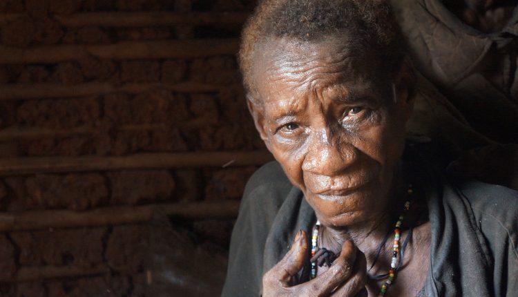 Diritti indigeni terra camerun donna baka