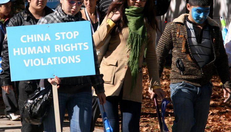 Usa-Cina, scontro sui diritti umani