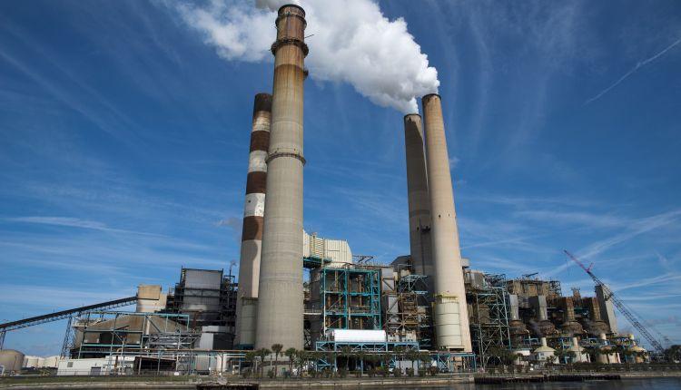 Ambiente: banche accusate di finanziare l'inquinamento