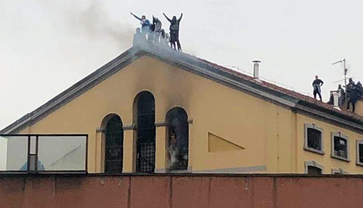 Carceri italiane in rivolta: 12 morti, violenze ed evasioni