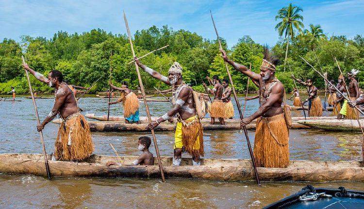 papua occidentale indigeni
