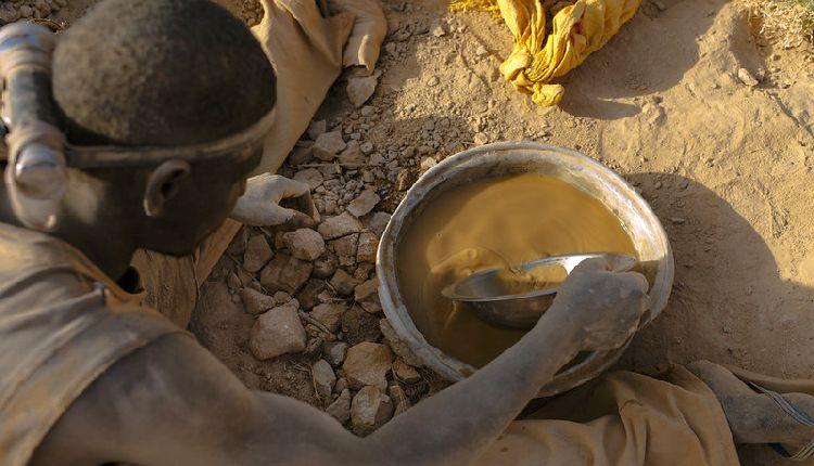 sfruttamento risorse minerarie in africa